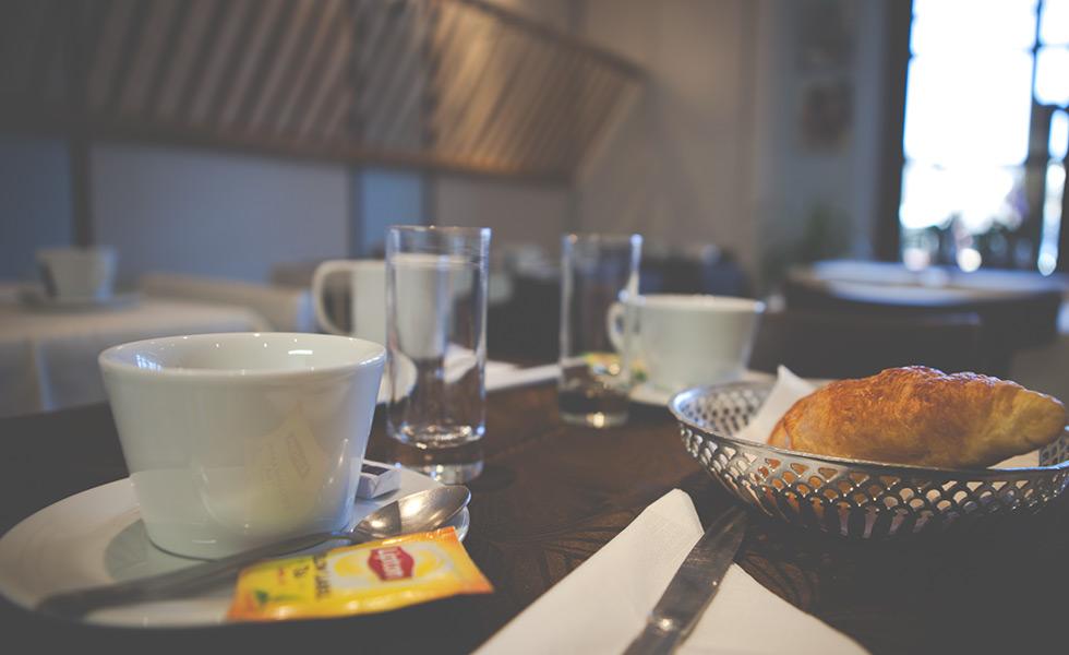 Petit déjeuner Hôtel l'Aptois